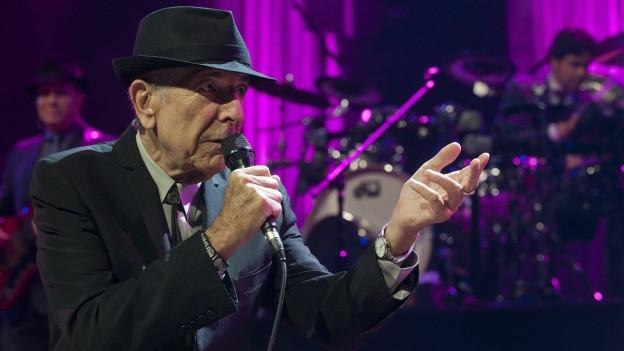 Leonard Cohen durant ses concert 2013 al Montreux Jazz Festival.