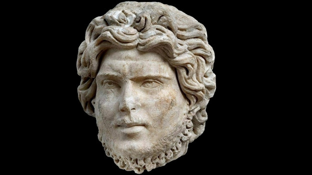 Figura en marmor dal temp roman, il tgau da Dionysos, chattà ad Atena.