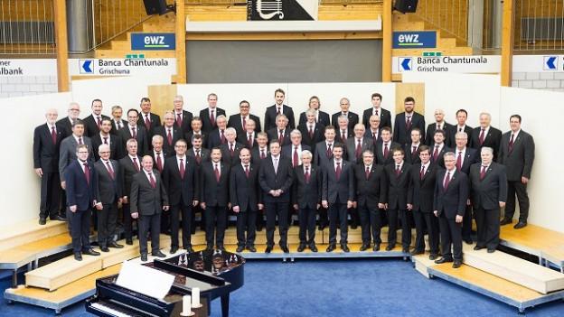 Ils 60 umens dal Chor viril da Surses
