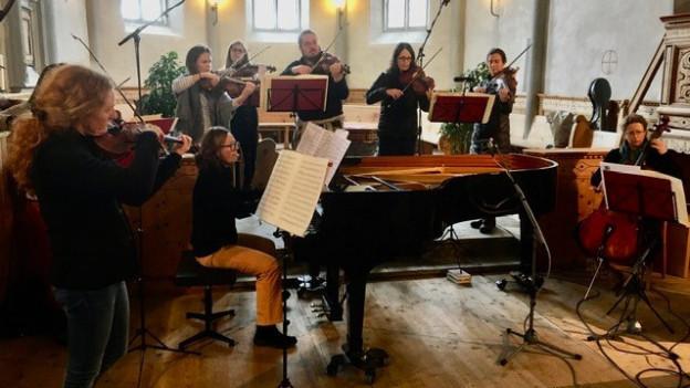 L'orchester le phénix cun la pianista Alena Cherny a Sent