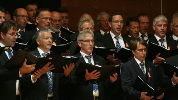 Chantar da cumpagnia cun Noss Chors
