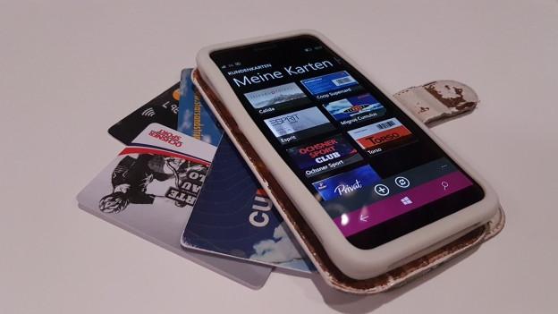 Ina app che remplazza las cartas da plastic en la bursa