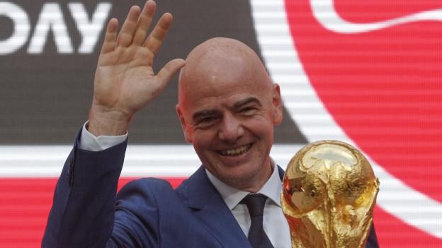Gianni Infantino, il president da la Fifa. Ils teams qualifitgads per il campiunadi mundial survegnan anc dapli daners.