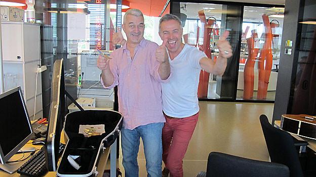 Fredy Gasser und Dani Fohrler freuen sich über den Erfolg des Experiments.