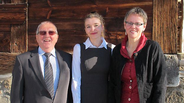 Robert Sturny, SRF 1-Gastgeberin Anita Richner und Simone Cotting.