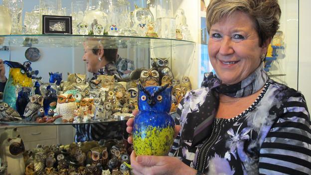 Eulen, soweit das Auge reicht: Sammlerin Brigitte Aregger in ihrem «Eulenzimmer».