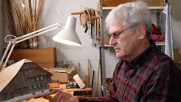 Edi Kistler in seiner Werkstatt.