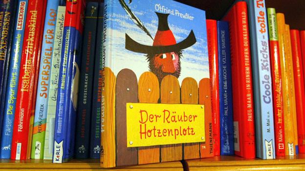 Die Geschichten über den berühmten Räuber Hotzenplotz wurden in 34 Sprachen übersetzt.