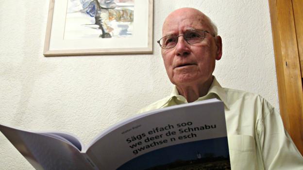 Hat ein besonderes Faible für Mundartwörter aus seiner Region: Walter Bigler (87).