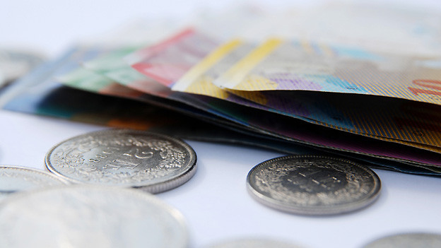 Schneit es unerwartet hohe Rechnungen ins Haus, ist auch Sozialhilfegeld nicht immer ausreichend.