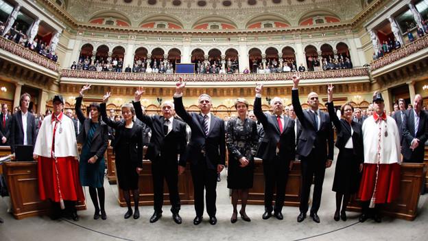 Vereidigung des Bundesrats im Dezember 2011. Mit der Initiative «Volkswahl des Bundesrates» will die SVP in Zukunft das Volk entscheiden lassen, wie sich der Bundesrat zusammensetzt.