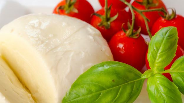 Mittlerweile ein Klassiker: Insalata Caprese mit Tomaten, Mozzarella und Basilikum.