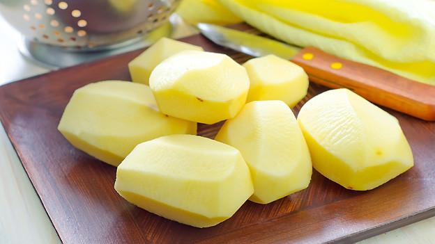 Hauptzutat für «Charherdöpfel» sind natürlich Kartoffeln.