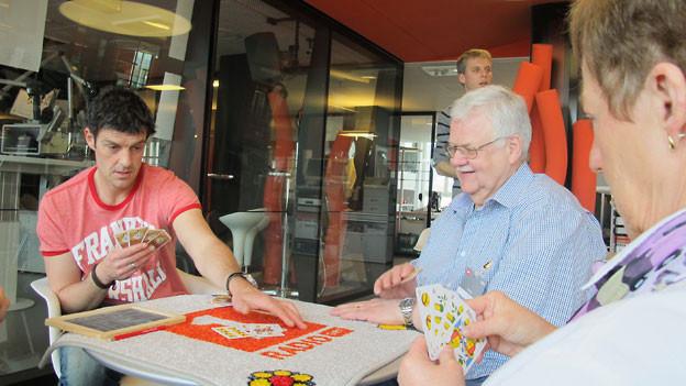 Roman Kilchsperger, Radio SRF 1 Jasserin Ruth Graf und ihr Mann Walter spielen «Coiffeur».