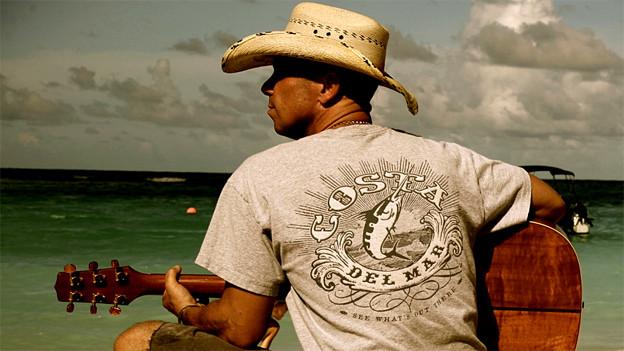 Countrysänger und Songwriter Kenny Chesney hatte mehr als 30 Top-Ten-Singles in den Billboard Country-Charts.