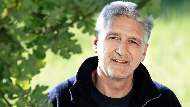Biologe, Tierfilmer und Moderator der SRF-Sendung «NETZ NATUR»: Andreas Moser.
