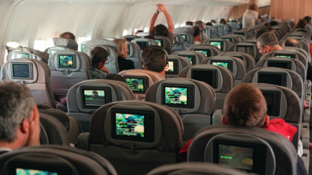Wer bereits bei der Buchung auf den richtigen Sitzplatz im Flugzeug achtet, kommt entspannter am Urlaubsziel an.