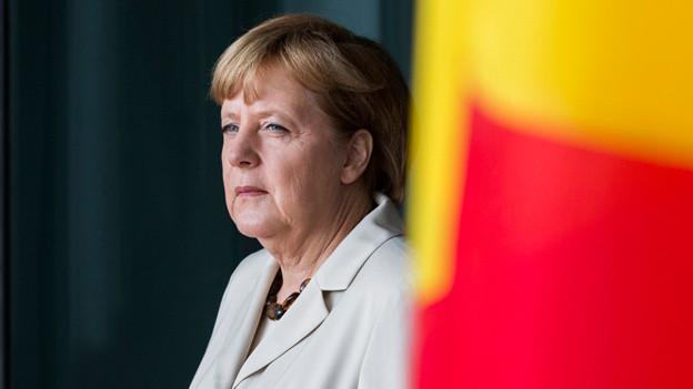Angela Merkel beim Empfang des romanischen Premiers in Berlin (10. Juni 2013) .