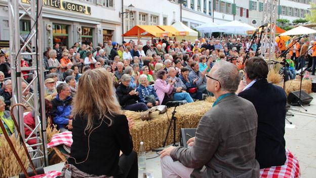 Am Auftakt von «Querfeldeins» in Bischofszell empfängt Anita Richner ihre Gäste.