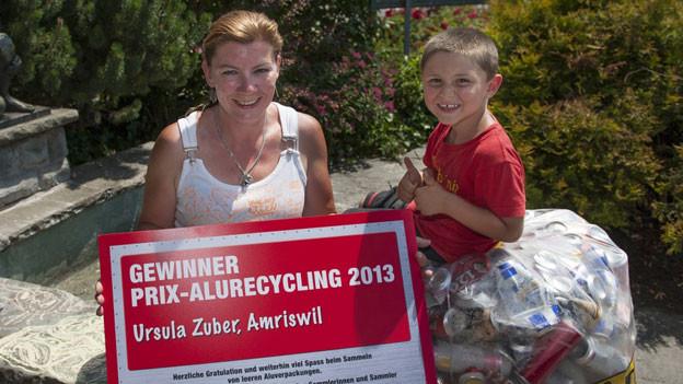 Ursula Zuber hat mit Freunden 300 Kilogramm Alu gesammelt.