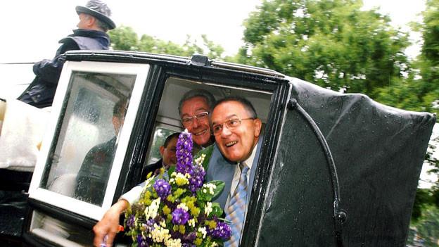 Ernst Osterta ( r.), und Robert Rapp (l.) haben ihre Partnerschaft am 1. Juli 2003 in Zèrich registrieren lassen. Die beiden leben zu diesem Zeitpunkt bereits 47 Jahren zusammen.