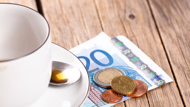 Trinkgeld: Im Ausland gelten unterschiedliche Regeln.