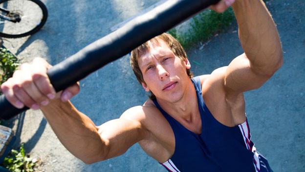 Den Körper langsam auf sportliche Betätigungen einstimmen, damit es nicht zu Muskelkater kommt.