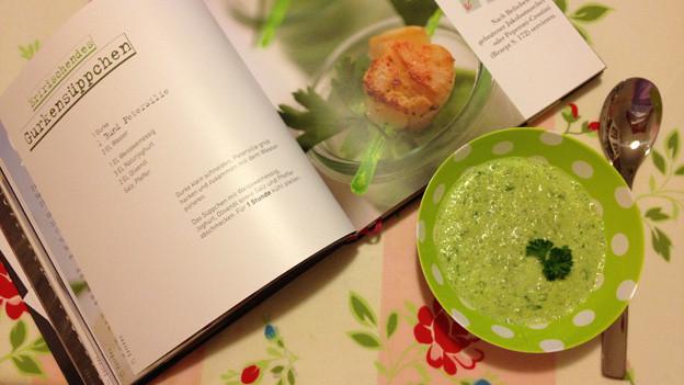 Gurkensüppchen aus dem Rezeptbuch «Querbeet» von Susanne Bloch-Hänseler.