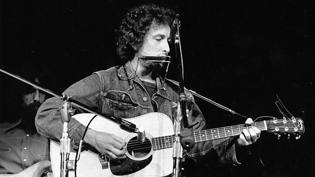 Bob Dylan an einem Benefizkonzert im New Yorker Madison Square Garden (1. August 1971).