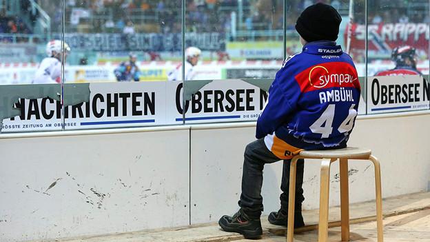 Auch disesr junge ZSC-Fan freut sich: Am Donnerstag startet sein Club in die Saison gegen Fribourg.