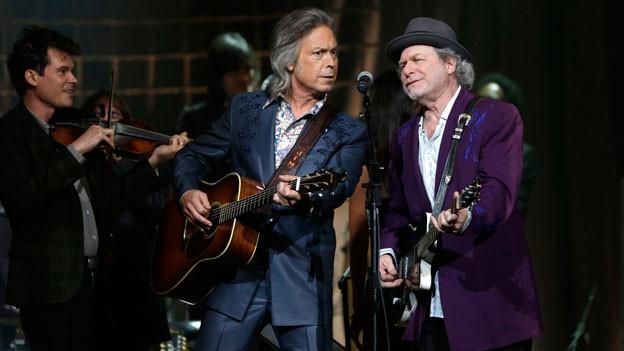 An den diesjährigen «Americana Awards» stehen Buddy Miller (rechts) und Jim Lauderdale zusammen mit Ketch Secor an der Violine auf der Bühne.