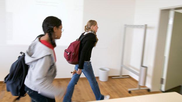 Das Gymnasium Payerne erhielt 2005 die modernsten Klassenzimmer mit Uniboard-Infrastruktur, elektronischer Wandtafel und Computer.