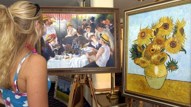 Die berühmtesten Fälschungen des Schweizer Künstlers und Kunstfälschers Hansjoerg Mühlematter «Frühstück der Ruderer» von Renoir (l.) und «Sonnenblume» von Vincent van Gogh.