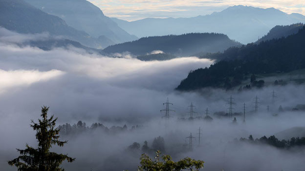 Morgennebel in Ilanz (GR).