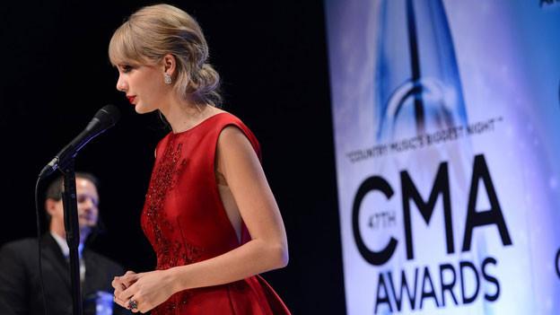Taylor Swift ist an den CMA-Awards vom 6. November auch mit einem Preis ausgezeichnet worden.