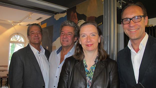 Peter Neufeld mit Zwillingsbruder Ronni, Hubertine Underberg-Ruder und Christian Zeugin.