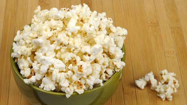 Popcorn ist eine fettarme Alternative zu Chips.