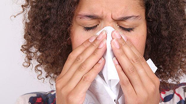 Jeder zweite Erwerbstätige geht mindestens einmal im Jahr krank zur Arbeit.