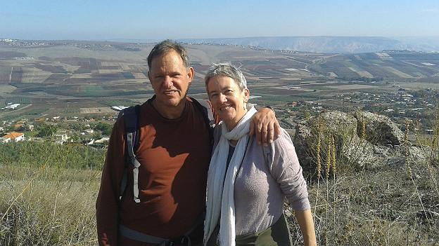 Regula Alon-Gruber mit ihrem Mann Chaim in der Nähe des Sees Genezareth.
