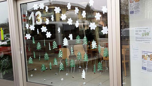 Im Frauenfelder Quartiertreffpunkt Talbach entsteht das Adventsfenster 13.