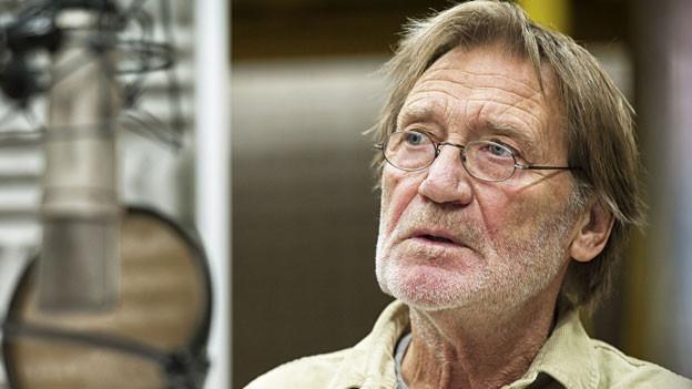 Er spricht den Ich-Erzähler Allan Karlsson: Matthias Habich.
