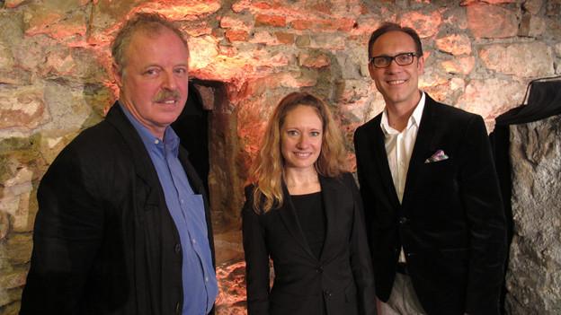 Die «Persönlich»-Gäste Alain Moirandat und Salomé Jantz mit Gastgeber Christian Zeugin (v.l.n.r.)