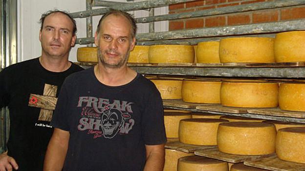 In der «Queseria Suiza»: Der Käser Peter Stampfli (rechts) und der leitende Geschäftsführer Markus Hafner.