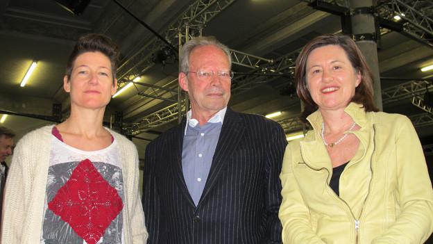 Soziologe Peter Gross, Zeichnerin Lika Nüssli und «Persönlich»-Gastgeberin Katharina Kilchenmann.