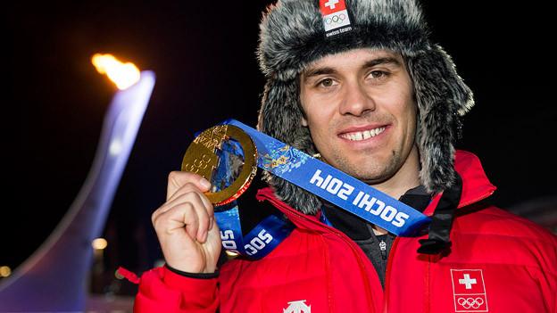 Sandro Viletta mit der Goldmedaille.
