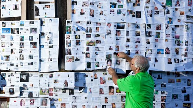 Originelle Facebook-Aktion der Gemeinde Obermutten (GR) 2011: Jedes «gefällt mir» wird an einer Stallwand verewigt.