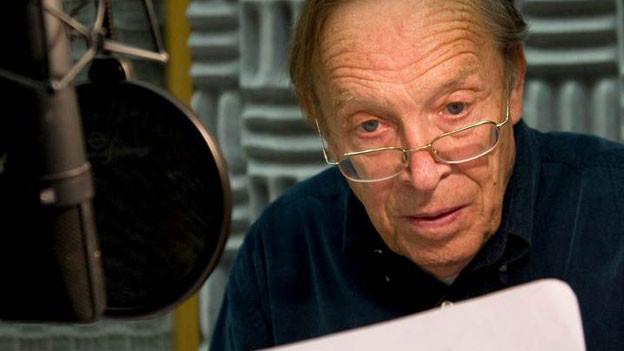 Helmut Stange im Hörspiel-Studio.