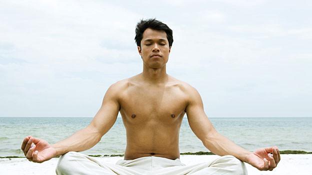 Meditierender Asiate