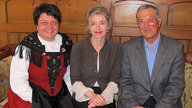 «Persönlich»-Gastgeberin Anita Richner (mitte) mit Karin Niederberger und Jean-Jacques Mayor.