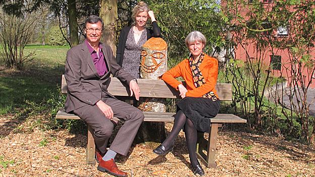 «Persönlich»-Gastgeberin Anita Richner (mitte) mit Priska Sieber und Jürg Bregenzer.